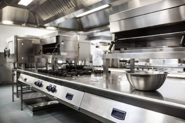 commercial kitchen equipment cleaning
